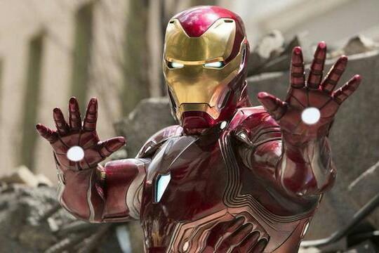 为何钢铁侠不给队友人手一套战甲?不是他不给,而是队友不需要